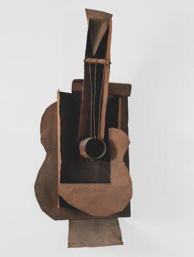 Pablo Picasso Guitare, Paris, janvier-février 1914 Plaque de métal et fer, 77,5x35x19,3 cm The Museum of Modern Art, New York © 2018. Digital image, The Museum of Modern Art, New York/Scala, Florence © Succession Picasso 2018