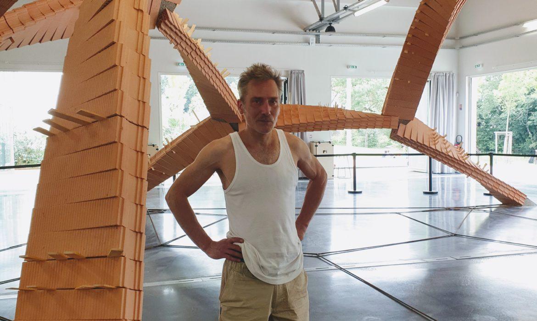 Les arches de Vincent Ganivet, Portrait de l'artiste en magicien de la sculpture